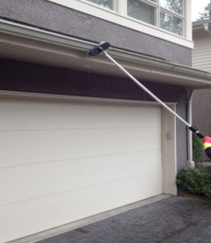 Gutter cleaning in Vancouver